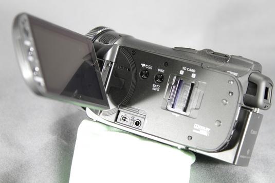 HF G10液晶モニター内側端子部