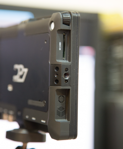 DP7-Pro 左側面